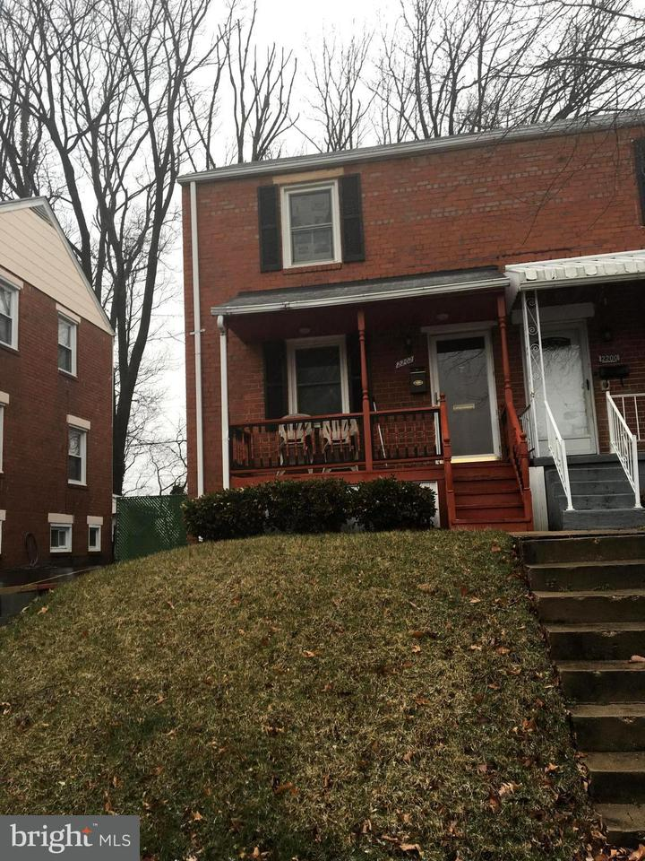 Duplex for Sale at 2202 Pollard St S 2202 Pollard St S Arlington, Virginia 22204 United States