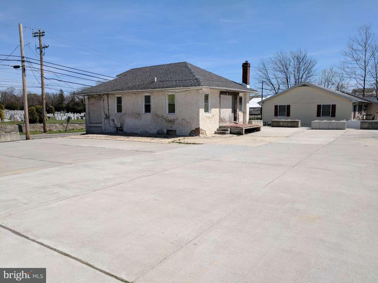Частный односемейный дом для того Продажа на 420 W OAK Lane Glenolden, Пенсильвания 19036 Соединенные Штаты