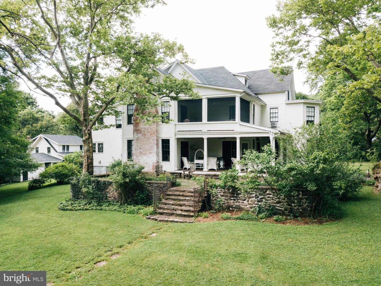 Single Family for Sale at 12537 Monterey Cir Blue Ridge Summit, Pennsylvania 17214 United States