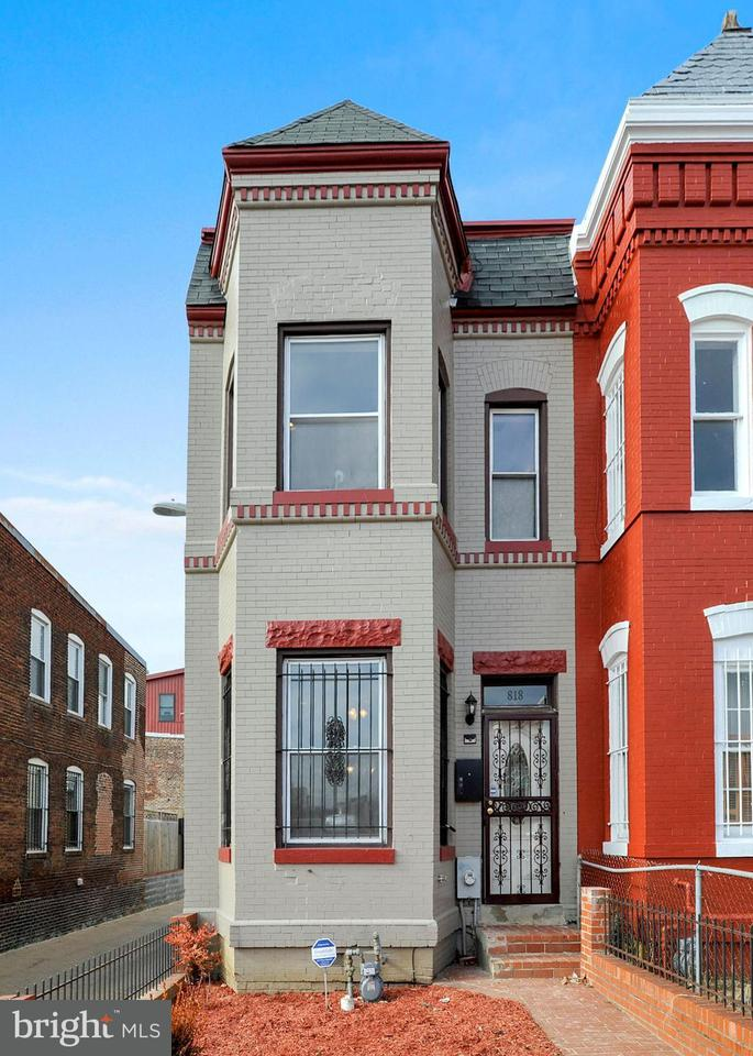Townhouse for Sale at 818 12th St Ne 818 12th St Ne Washington, District Of Columbia 20002 United States