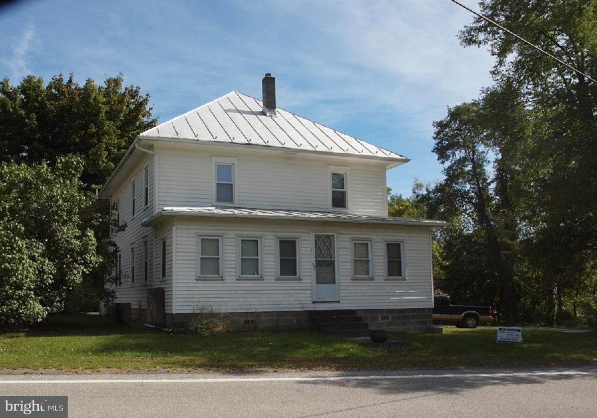 Single Family for Sale at 11300 Petersburg Pike Upper Tract, West Virginia 26866 United States