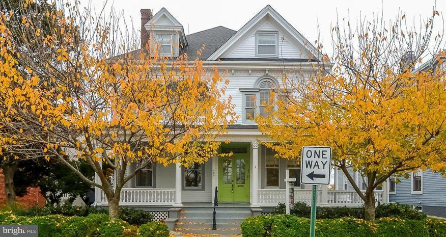 獨棟家庭住宅 為 出售 在 400 Hanover Street 400 Hanover Street Fredericksburg, 弗吉尼亞州 22401 美國