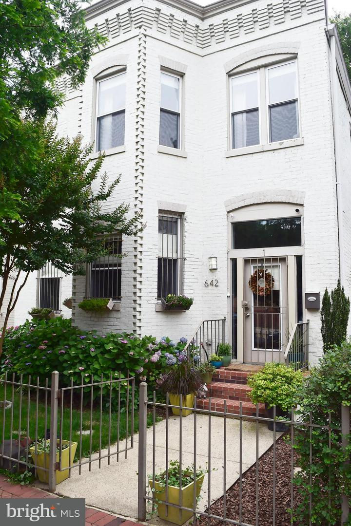Single Family for Sale at 642 15th St NE #1 Washington, District Of Columbia 20002 United States