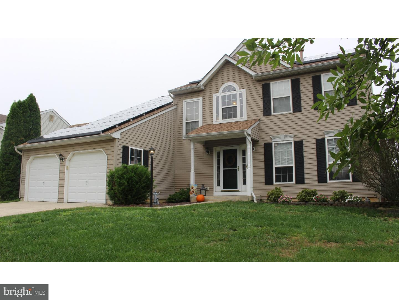 Enfamiljshus för Försäljning vid 447 MOORE BLVD Clayton, New Jersey 08312 Usa
