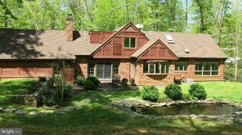 Single Family for Sale at 350 Grimsley Rd Flint Hill, Virginia 22627 United States