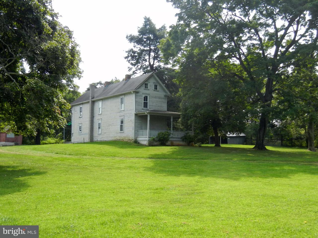 农场 为 销售 在 6636 Flowing Springs Road 6636 Flowing Springs Road Shenandoah Junction, 西弗吉尼亚州 25442 美国