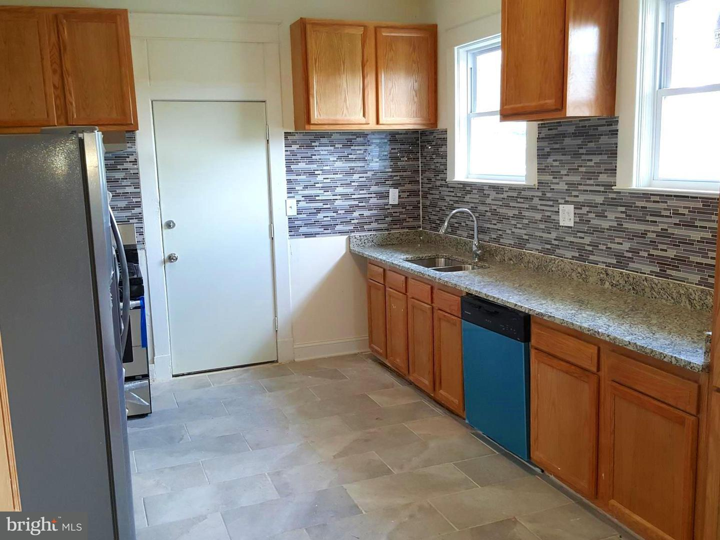 Single Family for Sale at 600 Tunbridge Rd Baltimore, Maryland 21212 United States