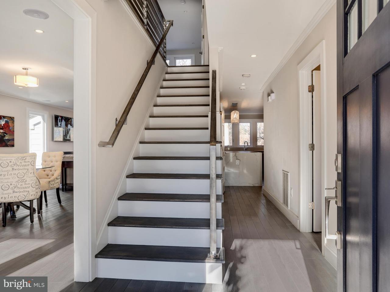 Villa per Vendita alle ore 4503 Strathmore Avenue 4503 Strathmore Avenue Garrett Park, Maryland 20896 Stati Uniti