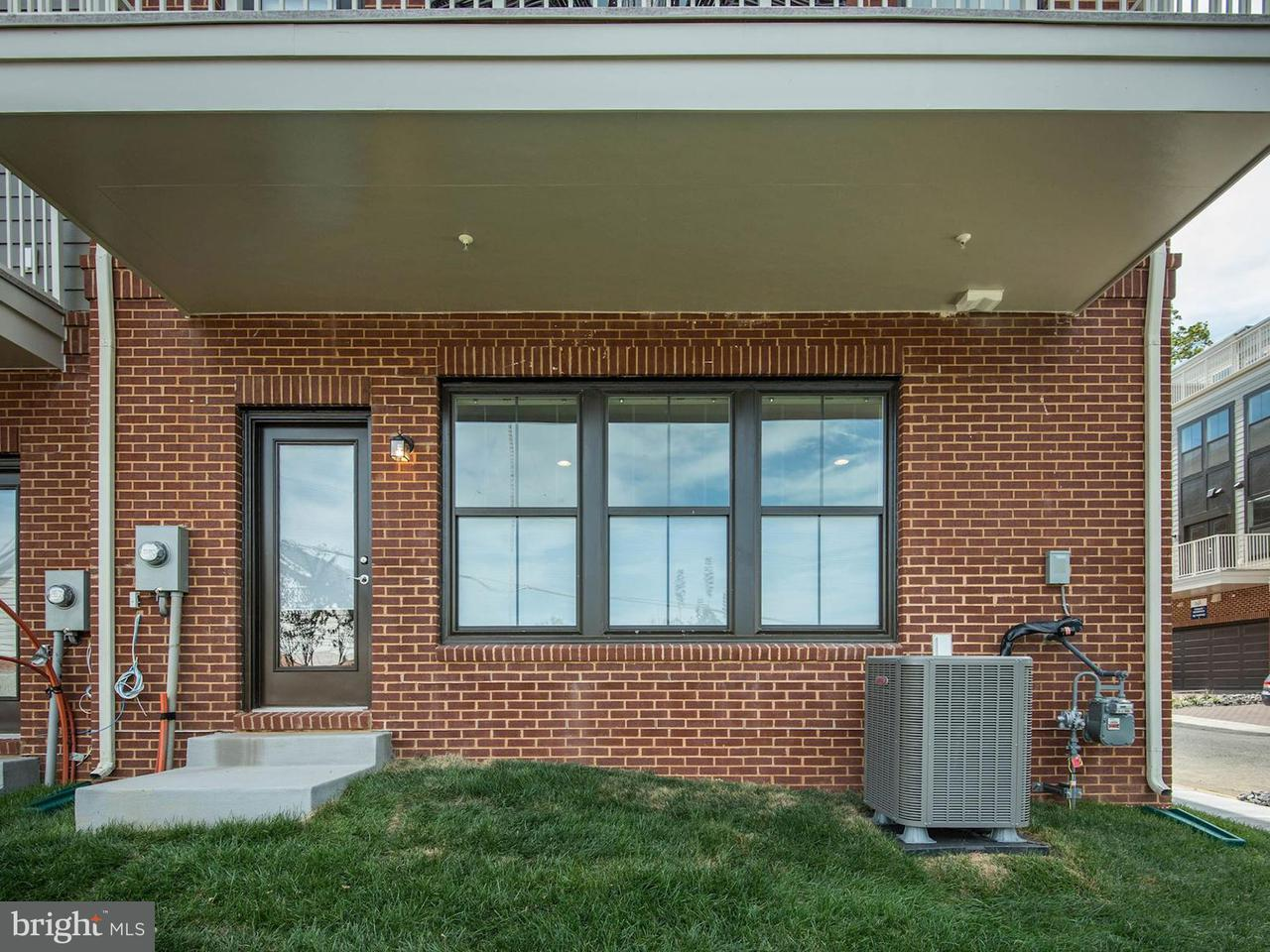 Additional photo for property listing at 3961 Norton Place 3961 Norton Place Fairfax, Virginia 22030 Stati Uniti