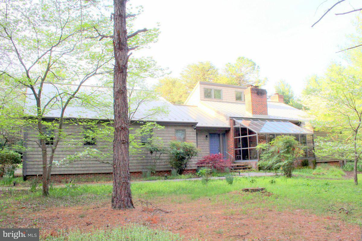 獨棟家庭住宅 為 出售 在 131 Vixen Xing 131 Vixen Xing Luray, 弗吉尼亞州 22835 美國