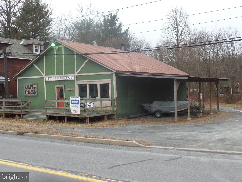 Casa Unifamiliar por un Venta en 22 HUGHES Street New Ringgold, Pennsylvania 17960 Estados Unidos