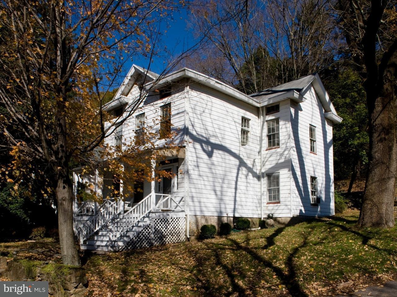 Частный односемейный дом для того Продажа на 7 CHURCH Street Glen Gardner, Нью-Джерси 08826 Соединенные Штаты