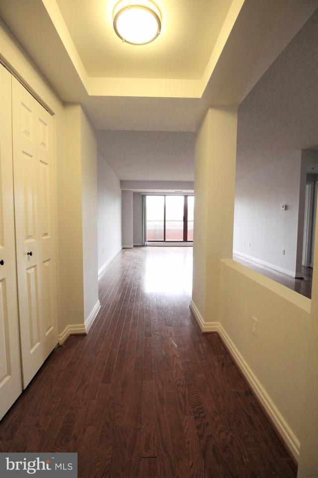 Additional photo for property listing at 2301 N St Nw #417 2301 N St Nw #417 Washington, District De Columbia 20037 États-Unis