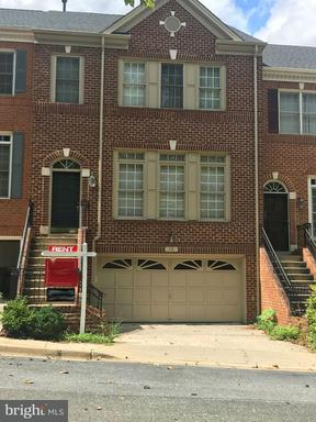 Property for sale at 19 Crofton Hill Ct, Rockville,  MD 20850