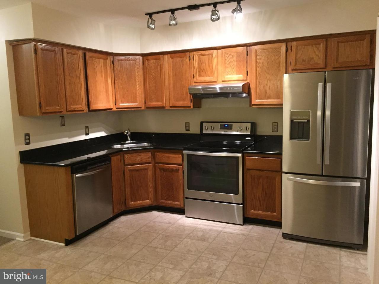 联栋屋 为 出租 在 168 MERCER Street 特伦顿, 新泽西州 08611 美国在/周边: Trenton City