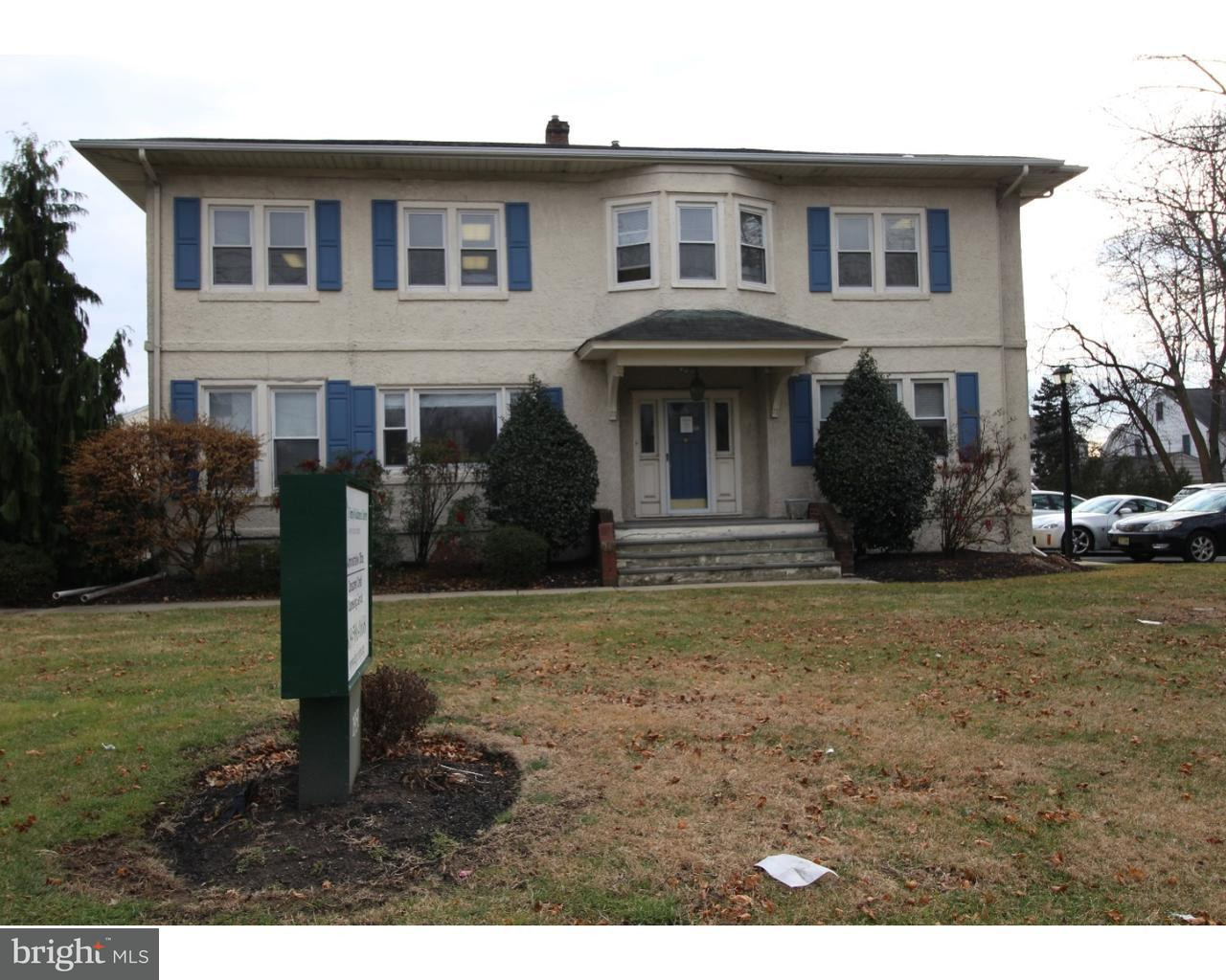 Photo of home for sale at 1931 Nottingham Way, Hamilton Township NJ