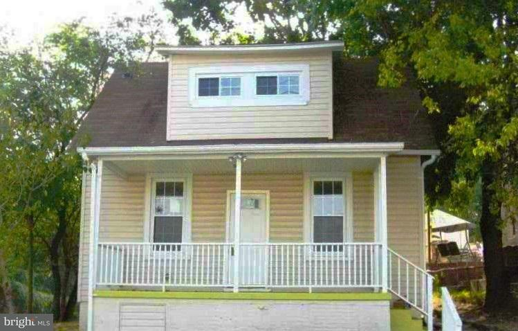 Single Family for Sale at 2623 Hollins Ferry Rd Baltimore, Maryland 21230 United States