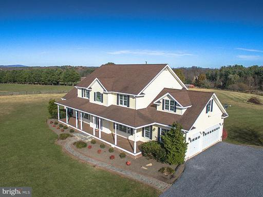 Property for sale at 13570 Breezy Meadow Ln, Lovettsville,  VA 20180