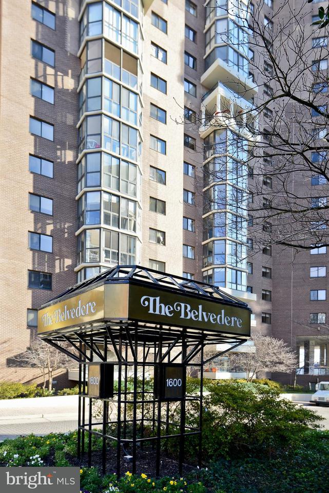 Condominium for Sale at 1600 Oak St #927 1600 Oak St #927 Arlington, Virginia 22209 United States