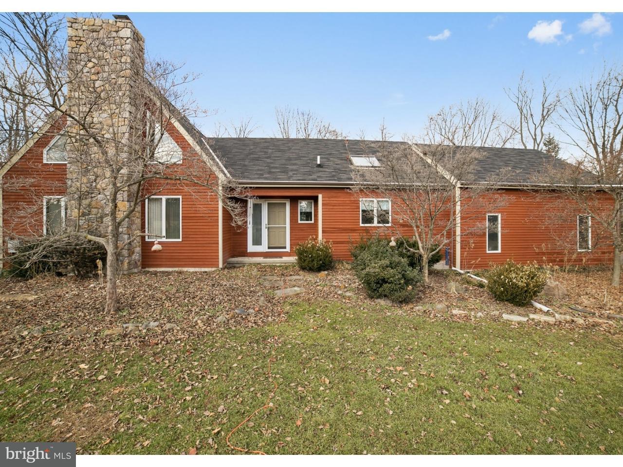 Частный односемейный дом для того Продажа на 749 FAUST Road Perkiomenville, Пенсильвания 18074 Соединенные Штаты
