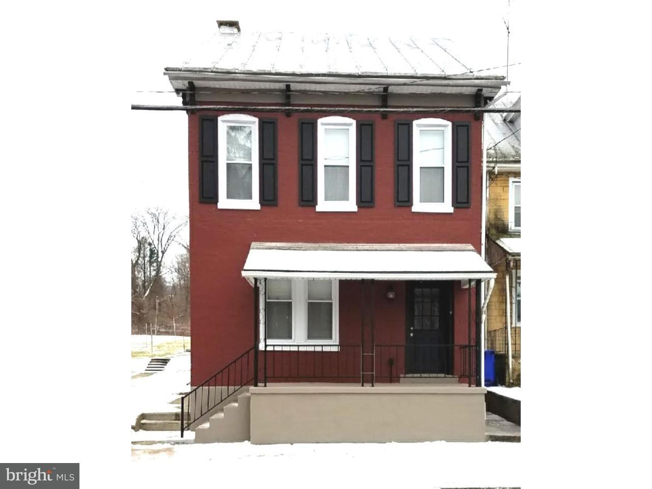 Частный односемейный дом для того Продажа на 244 E HIGH Street Womelsdorf, Пенсильвания 19567 Соединенные Штаты