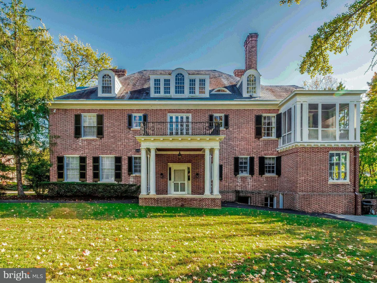 Single Family for Sale at 4000 Greenway Baltimore, Maryland 21218 United States