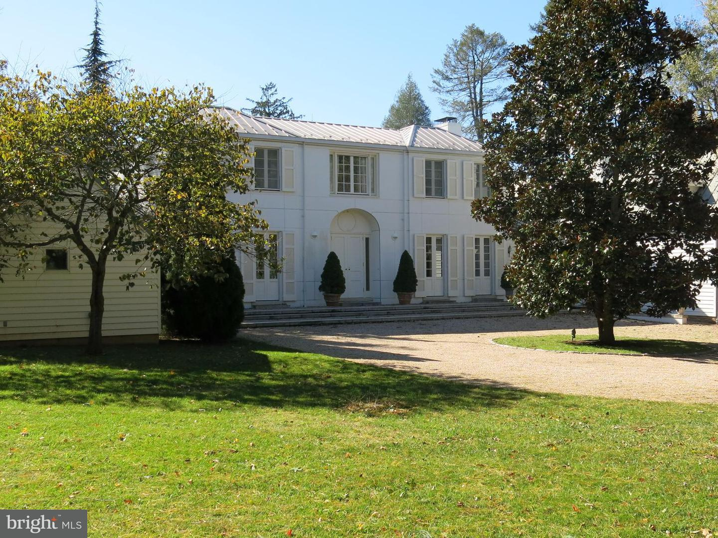 Farm for Sale at 61 Deerfield Ln Sperryville, Virginia 22740 United States
