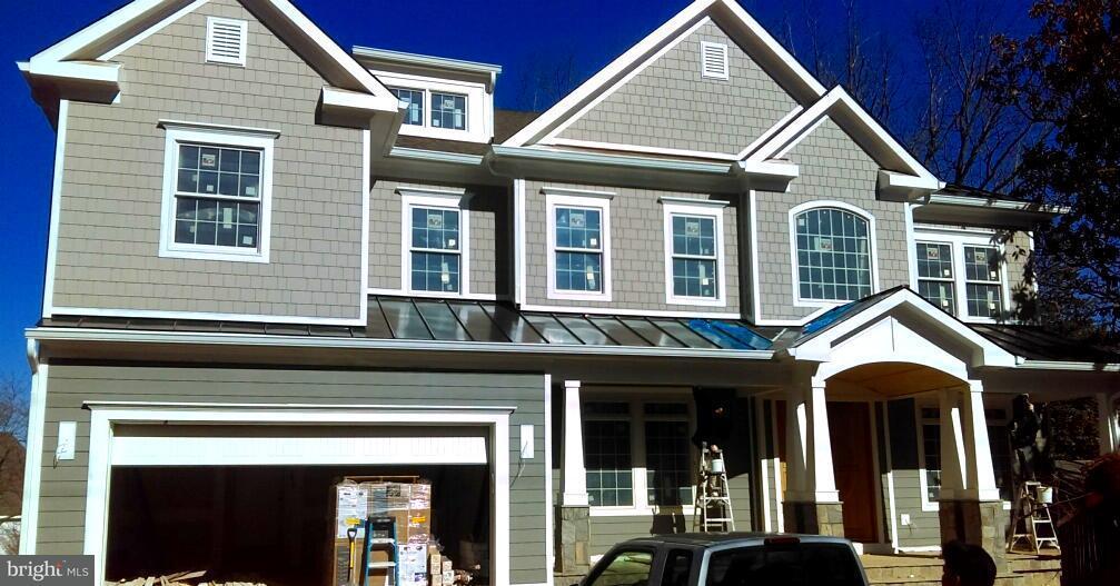 Eensgezinswoning voor Verkoop een t 7116 Churchill Road 7116 Churchill Road McLean, Virginia 22101 Verenigde Staten
