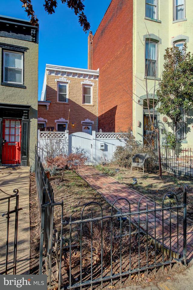 Townhouse for Sale at 1322 8th St Nw 1322 8th St Nw Washington, District Of Columbia 20001 United States