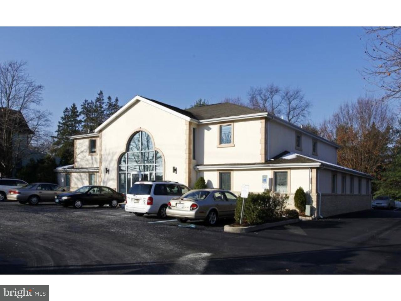 Частный односемейный дом для того Продажа на 215 E LAUREL Road Stafford Township, Нью-Джерси 08084 Соединенные Штаты
