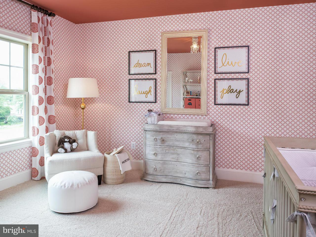 Additional photo for property listing at 2517 Crimmins Lane 2517 Crimmins Lane Falls Church, Virginia 22043 United States