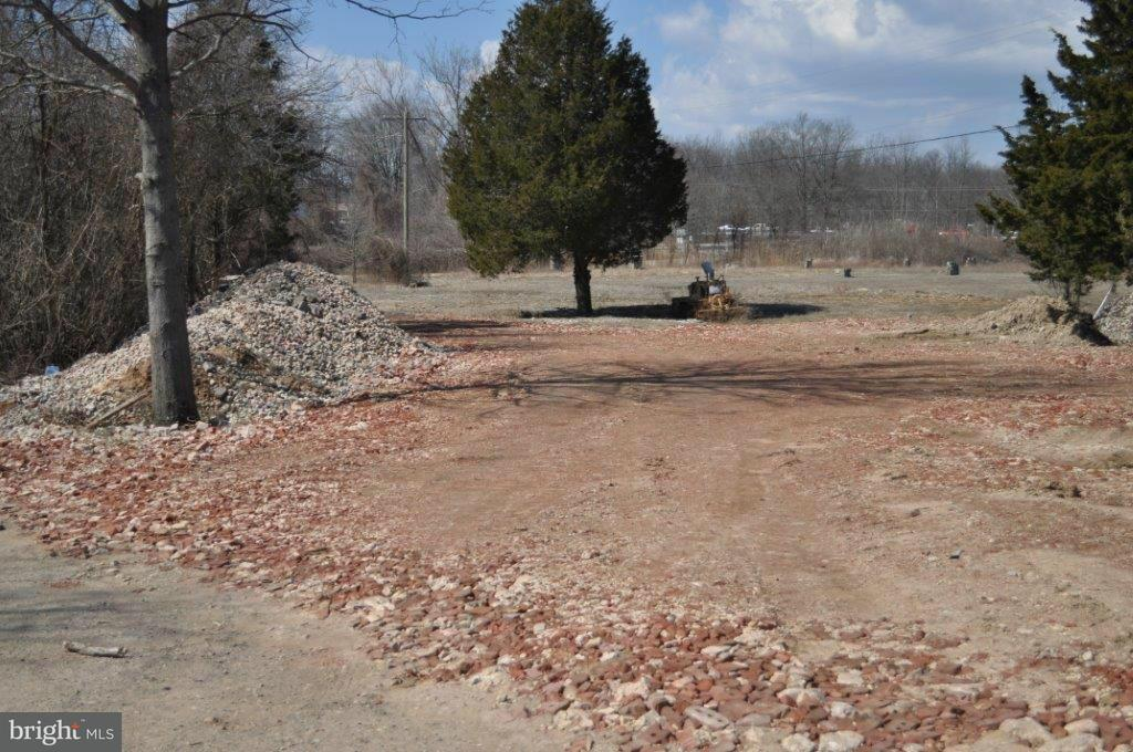 Additional photo for property listing at 6000 Crain Hwy SE  Upper Marlboro, Maryland 20772 United States