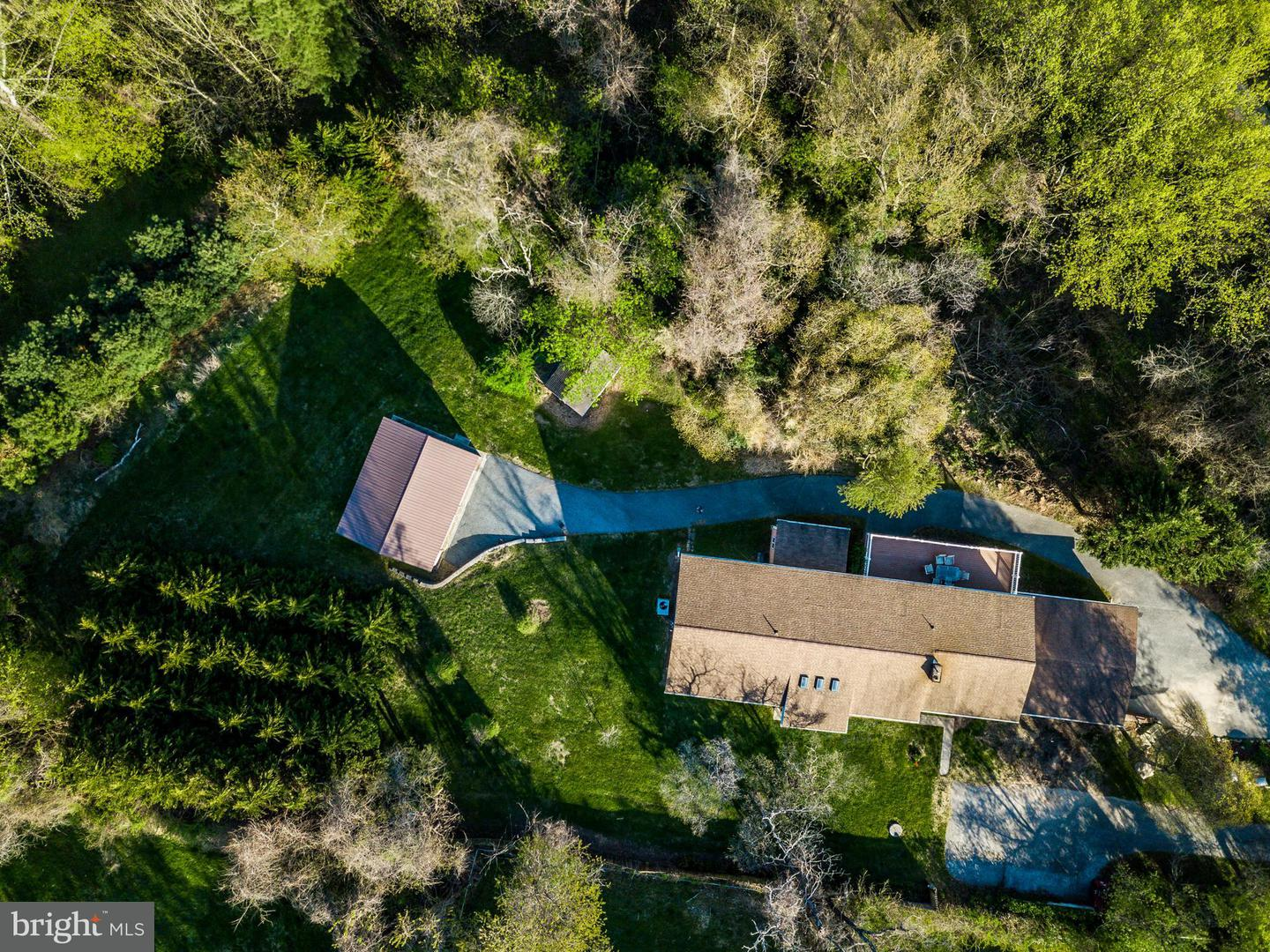 Single Family for Sale at 13033 Bottom Rd Hydes, Maryland 21082 United States
