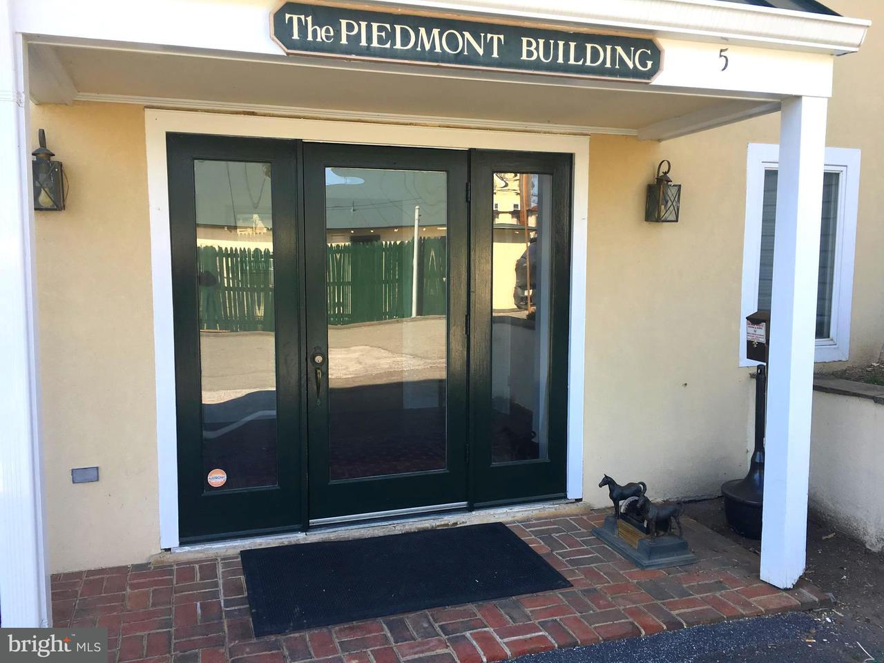 Other Residential for Rent at 5 Federal St Middleburg, Virginia 20117 United States
