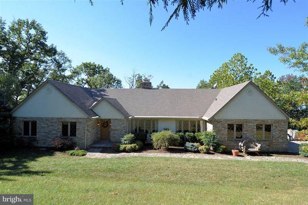 Частный односемейный дом для того Продажа на 1409 Calmes Neck Lane 1409 Calmes Neck Lane Boyce, Виргиния 22620 Соединенные Штаты