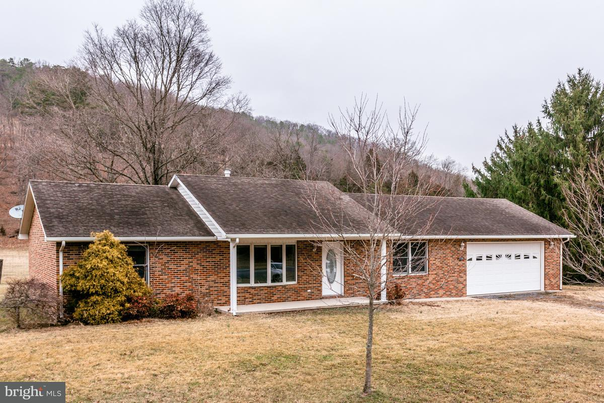 Single Family for Sale at 17056 Little Dry River Rd Fulks Run, Virginia 22830 United States