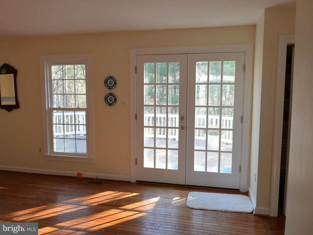Additional photo for property listing at 15567 Eagle Tavern Lane 15567 Eagle Tavern Lane Centreville, Virginia 20120 Estados Unidos