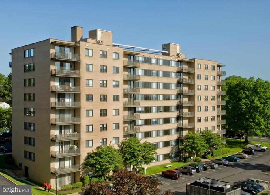 Additional photo for property listing at 4320 Old Dominion Dr #002/2  Arlington, Virginia 22207 United States
