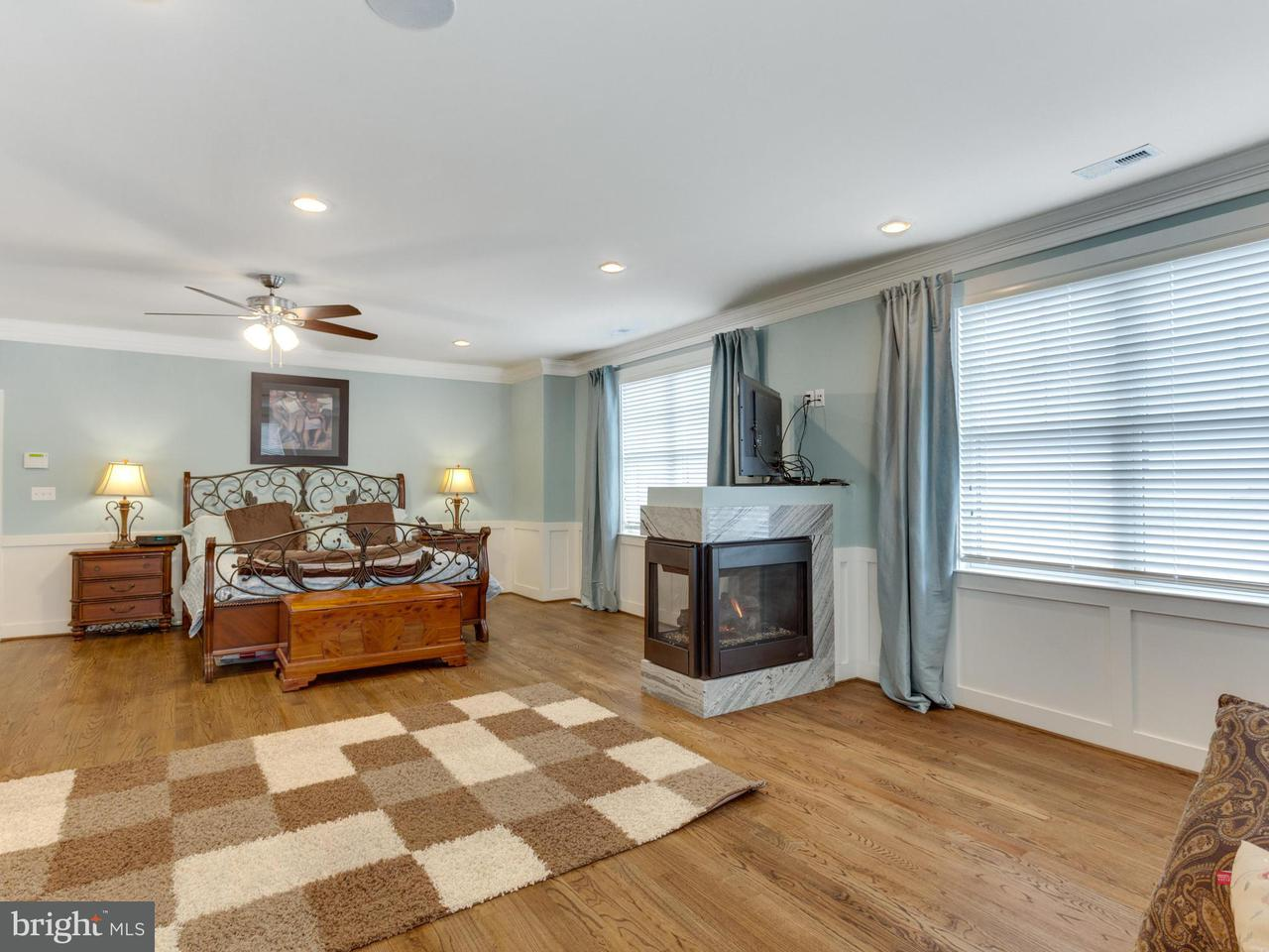 Additional photo for property listing at 2509 Fowler Street 2509 Fowler Street Falls Church, Virginia 22046 Vereinigte Staaten