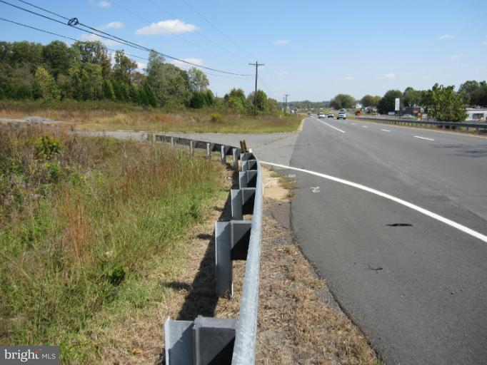 Commercieel voor Verkoop een t 10029 James Monroe Hwy 10029 James Monroe Hwy Culpeper, Virginia 22701 Verenigde Staten