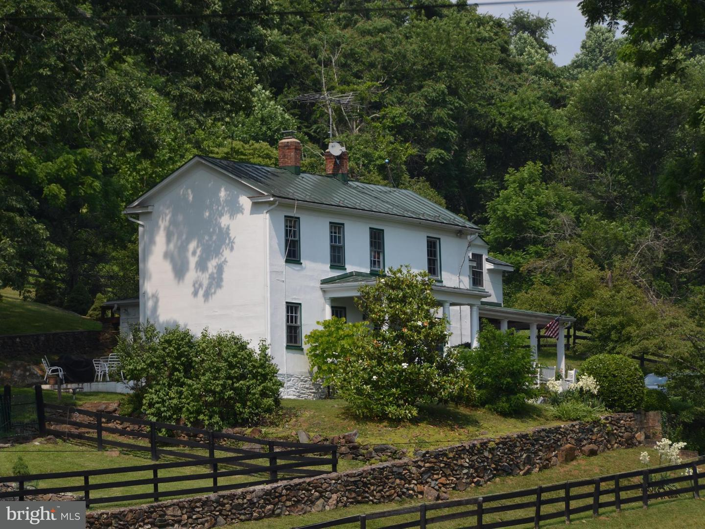 Farm for Sale at 3051 Tuckers Ln Linden, Virginia 22642 United States