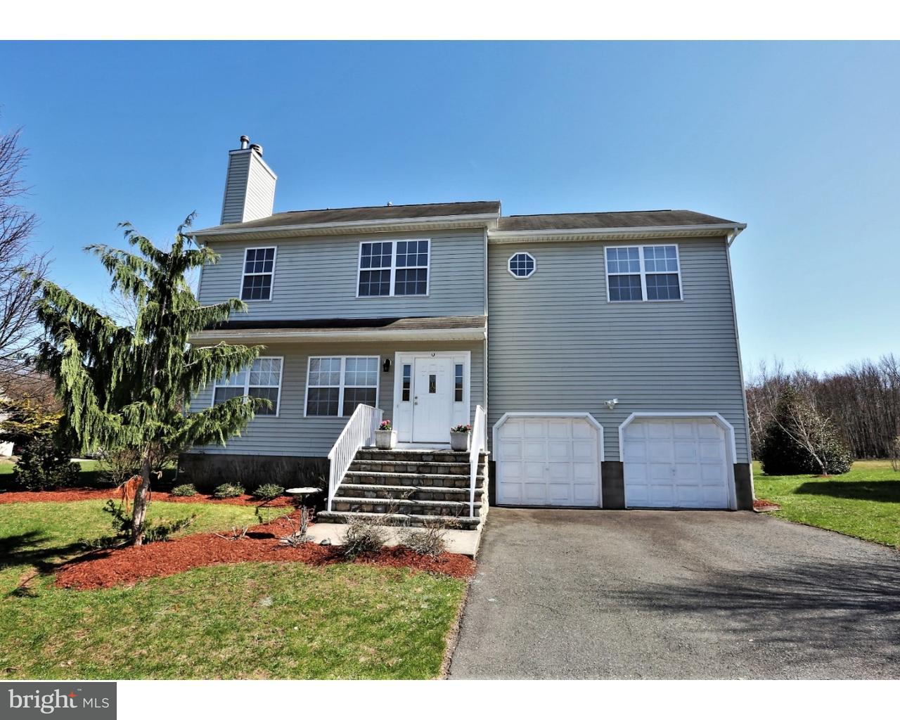 Maison unifamiliale pour l Vente à 68 JARED BLVD Kendall Park, New Jersey 08824 États-UnisDans/Autour: South Brunswick Township