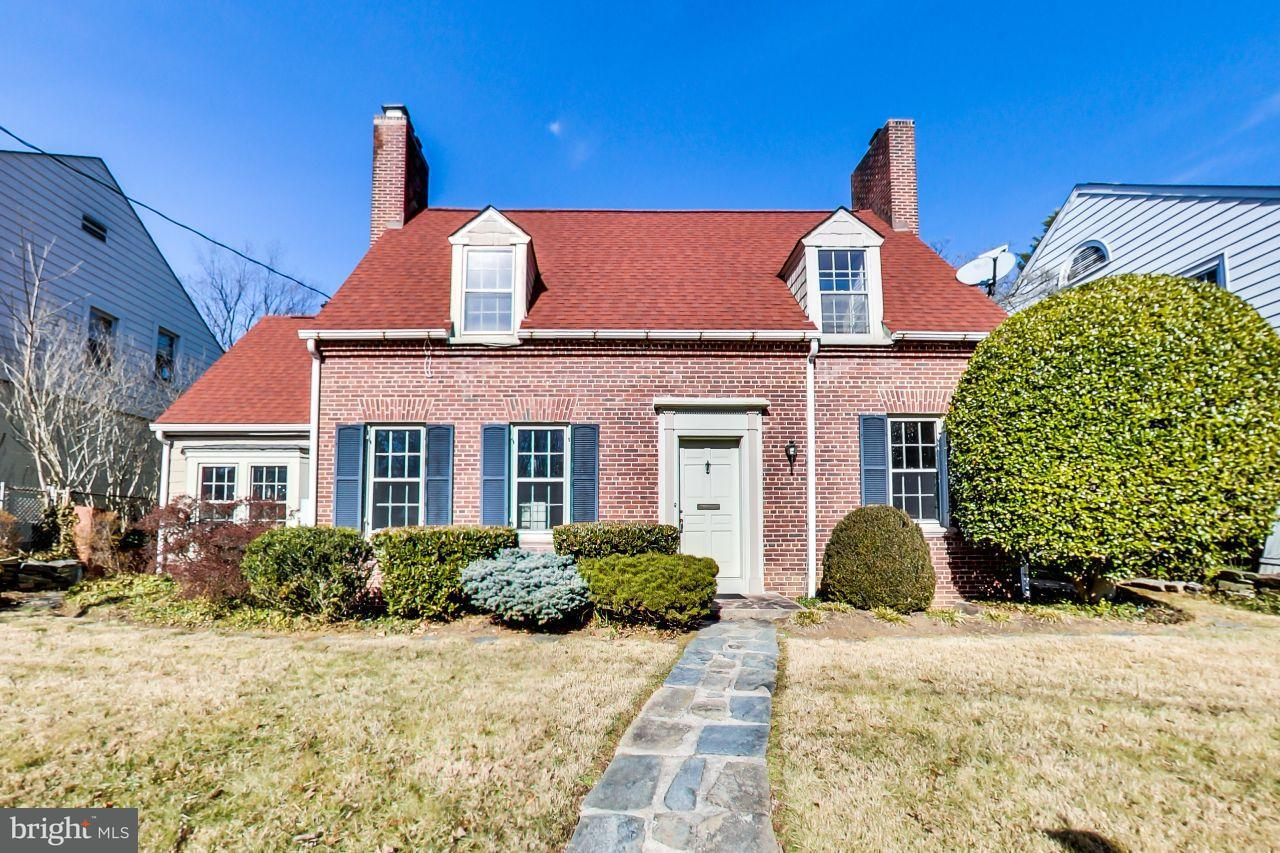 Single Family Home for Sale at 4931 Butterworth Pl Nw 4931 Butterworth Pl Nw Washington, District Of Columbia 20016 United States