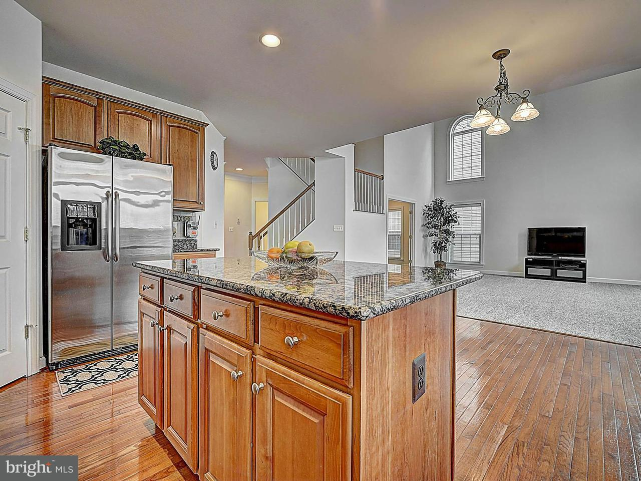 Additional photo for property listing at 9160 Finnegan Street 9160 Finnegan Street Lorton, Virginia 22079 Estados Unidos