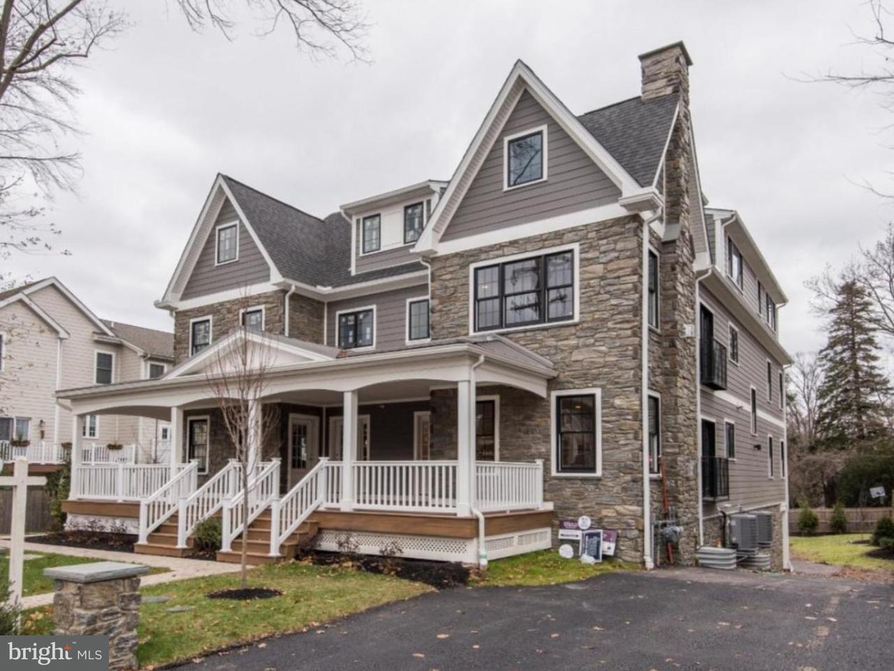 Casa unifamiliar adosada (Townhouse) por un Venta en 111 W MONTGOMERY AVE #B Ardmore, Pennsylvania 19003 Estados Unidos