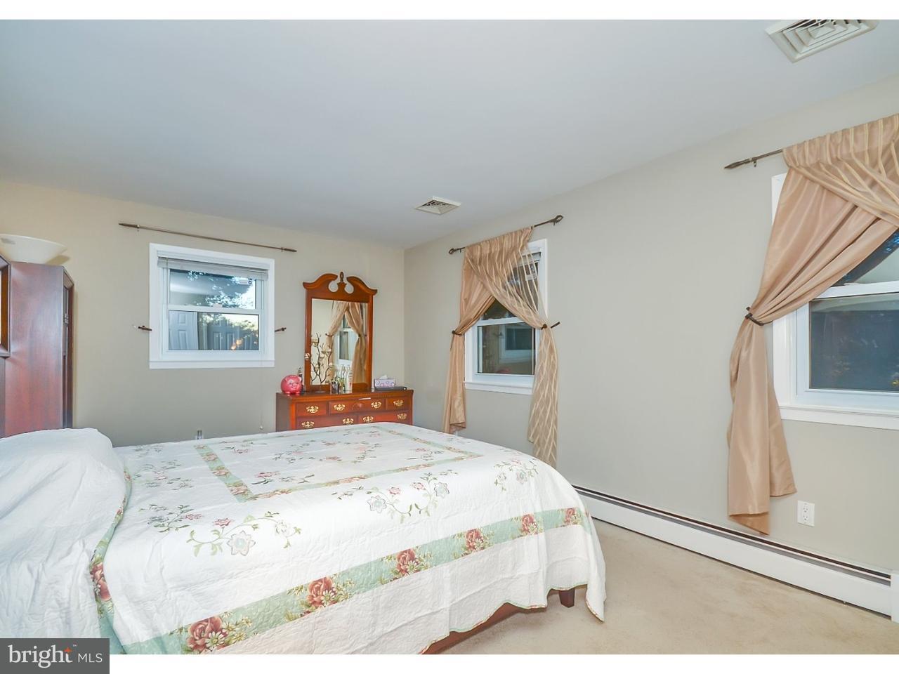 Casa Unifamiliar por un Alquiler en 426 PLAINSBORO Road Plainsboro, Nueva Jersey 08536 Estados UnidosEn/Alrededor: Plainsboro Township