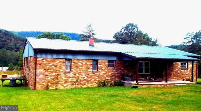 Single Family for Sale at 5255 South Mill Creek Rd Upper Tract, West Virginia 26866 United States