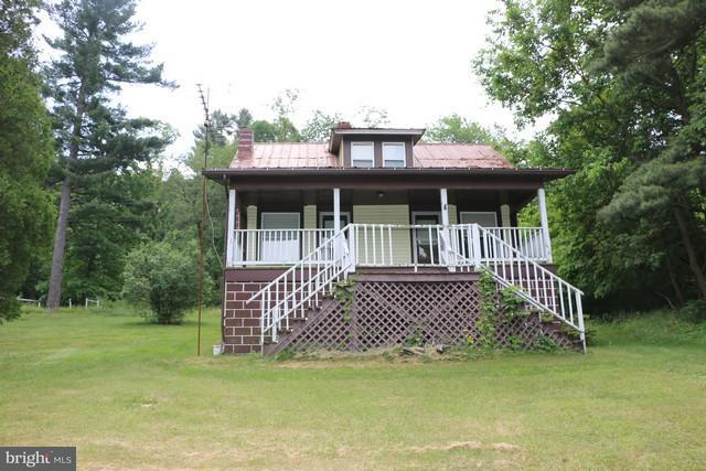 Single Family for Sale at 16910 Lincoln Hwy Breezewood, Pennsylvania 15533 United States