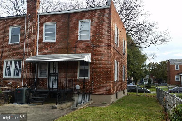 Single Family for Sale at 214 Denison St Baltimore, Maryland 21229 United States