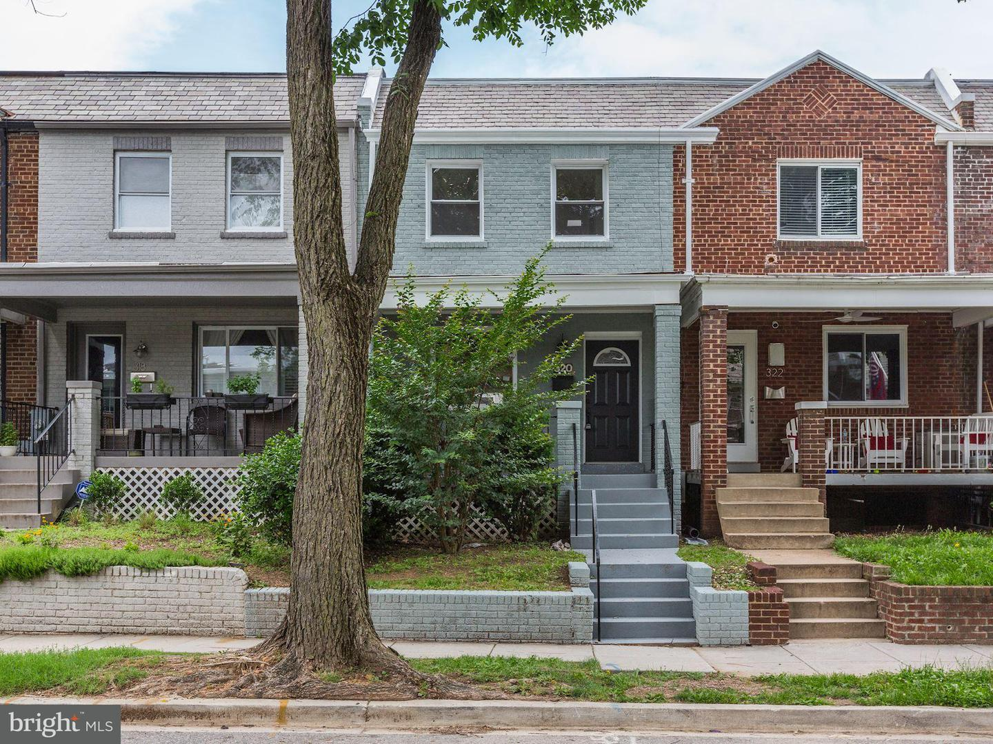 Single Family for Sale at 320 19th St NE Washington, District Of Columbia 20002 United States